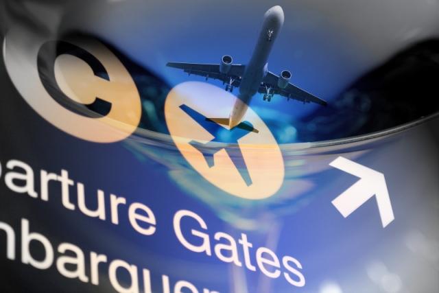 1-Airport_Gates